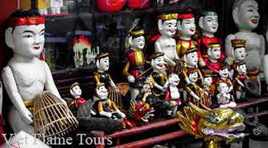 Water Puppet Show with Street Food
