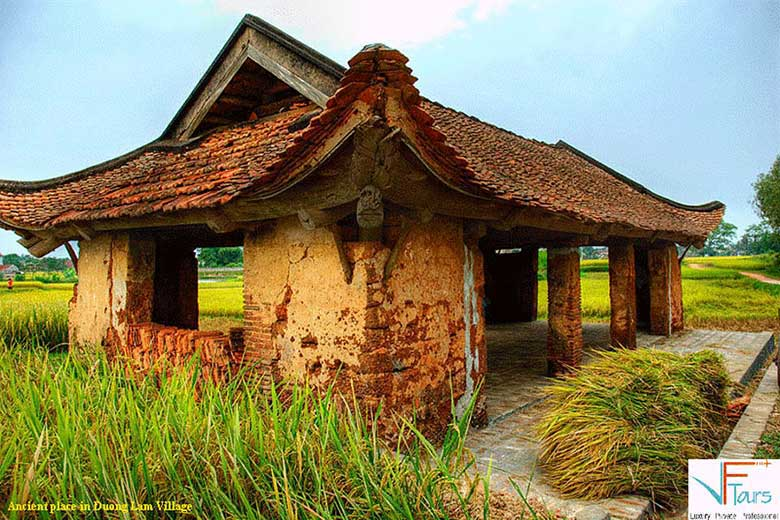 Visiting Duong Lam Ancient Village 1Day Tour