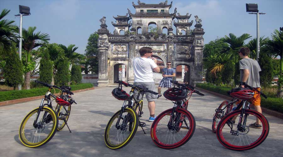 hanoi-biking-tour-to-snake-village-vietflametours