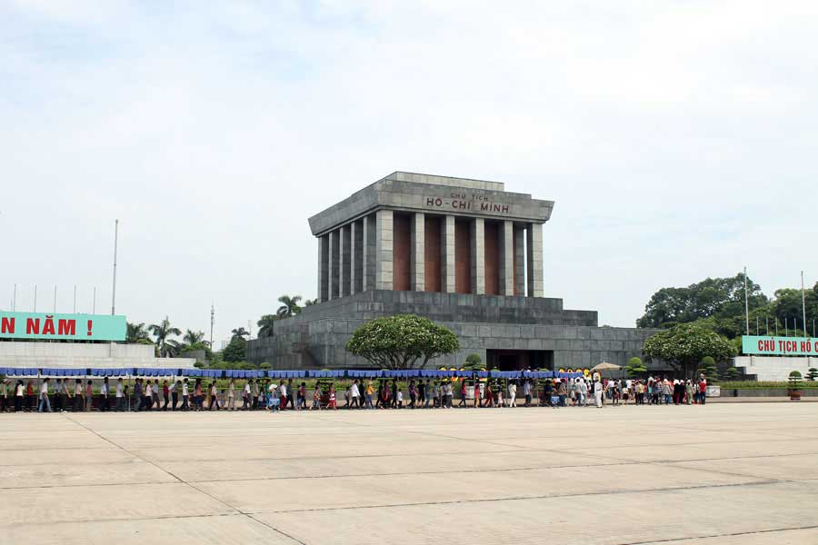 ho chi minh mausoleum-hanoi tour 1 day