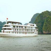 la vela classic cruise halong bay