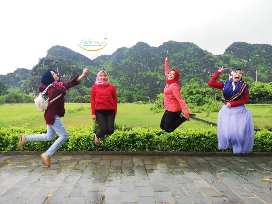 Tam Coc Muslim Tour from Hanoi