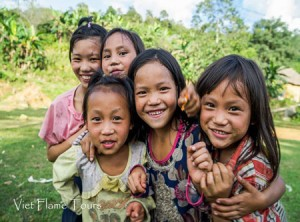 hanoi-sapa-tour-with-local-children-there(450)